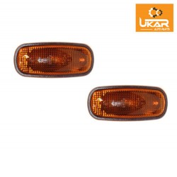 Buy Land Rover Defender / Discovery 2 99-04 / Freelander 1 02 To 05 - set of two side marker repeater lights XGB000030